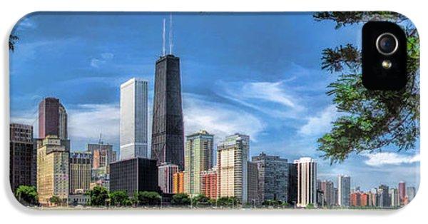 John Hancock Chicago Skyline Panorama IPhone 5 / 5s Case by Christopher Arndt