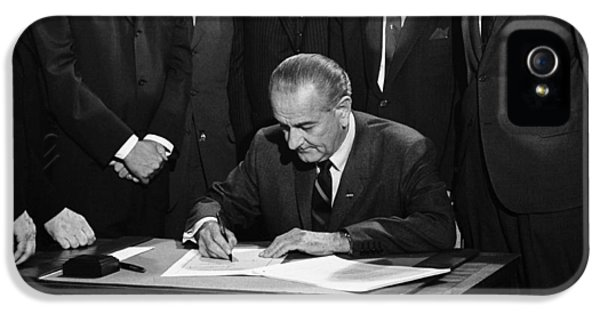 Lbj Signs Civil Rights Bill IPhone 5 Case