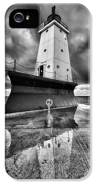 Lighthouse Reflection Black And White IPhone 5 Case