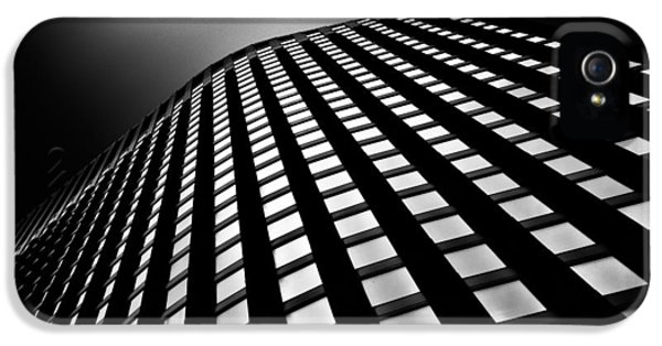 City Scenes iPhone 5 Case - Lines Of Learning by Dave Bowman