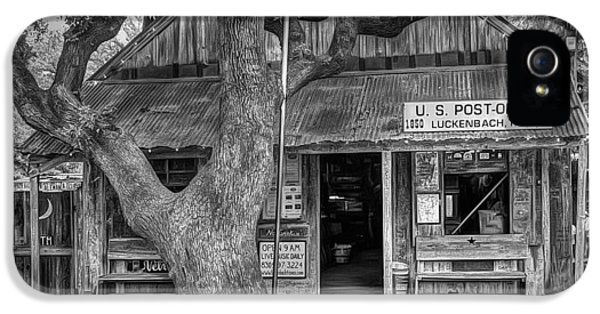 Luckenbach 2 Black And White IPhone 5 Case by Scott Norris
