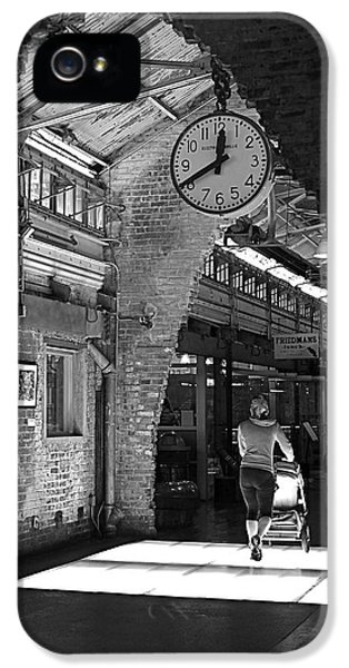 Lunchtime At Chelsea Market IPhone 5 Case