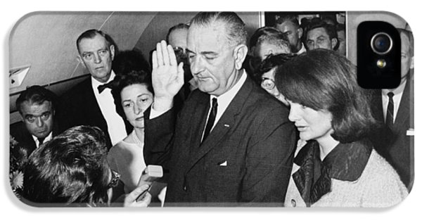 Lyndon Johnson Sworn In IPhone 5 Case by Cecil W. Stoughton