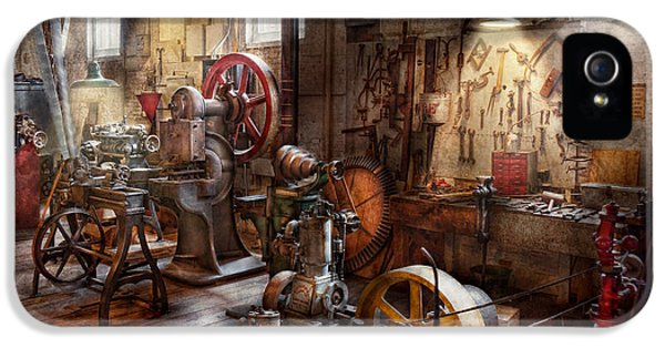 Machinist - A Room Full Of Memories  IPhone 5 Case