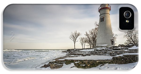 Marblehead Lighthouse Winter IPhone 5 / 5s Case by James Dean