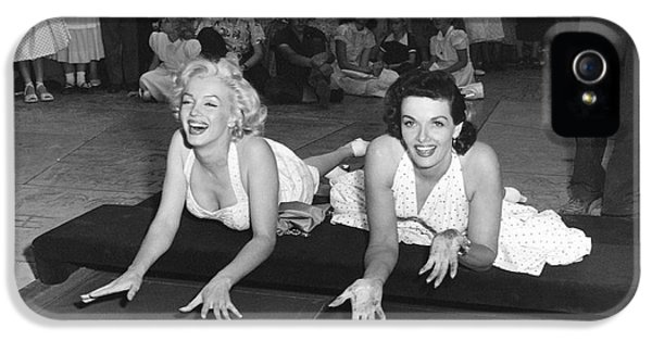 Marilyn Monroe And Jane Russell IPhone 5 Case by Underwood Archives