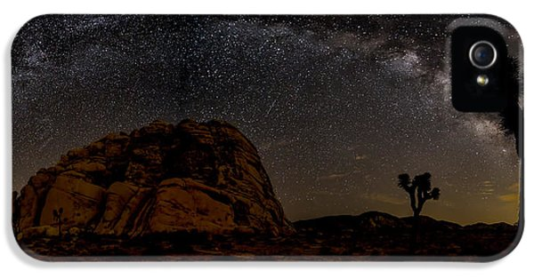Milky Way Over Joshua Tree IPhone 5 Case