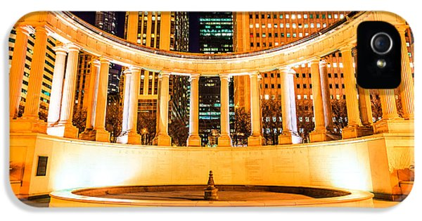 Millennium Monument Fountain In Chicago IPhone 5 Case by Paul Velgos