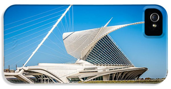 Milwaukee Art Museum Picture In Milwaukee Wisconsin IPhone 5 Case by Paul Velgos