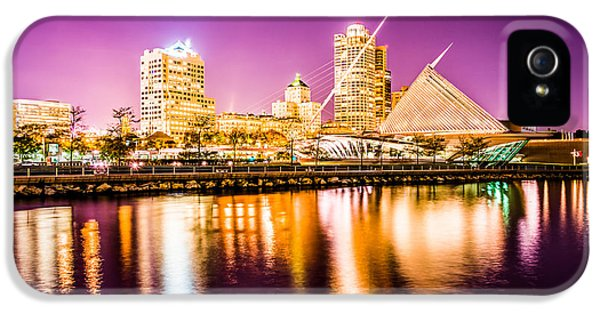 Milwaukee Skyline At Night Picture In Purple IPhone 5 Case by Paul Velgos
