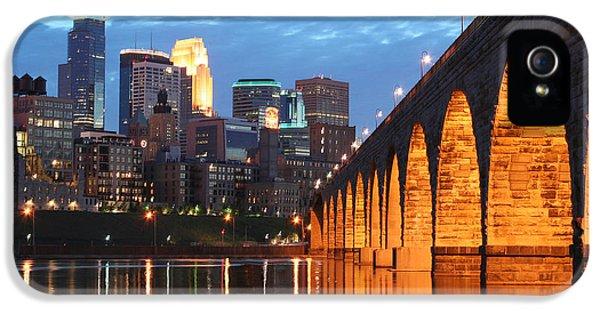 Minneapolis Skyline Photography Stone Arch Bridge IPhone 5 Case by Wayne Moran
