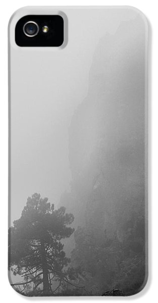 Breathe iPhone 5 Case - Mistery by Guido Montanes Castillo