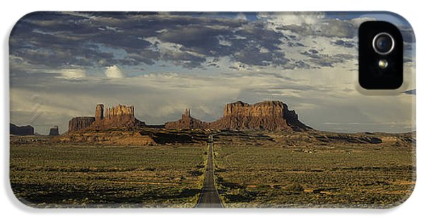 Monument Valley Panorama IPhone 5 Case by Steve Gadomski