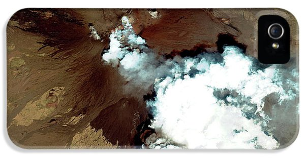Etna iPhone 5 Case - Mount Etna Erupting by Geoeye/science Photo Library