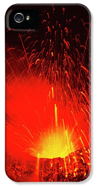 Etna iPhone 5 Case - Mount Etna Volcano Erupting by Jeremy Bishop/science Photo Library