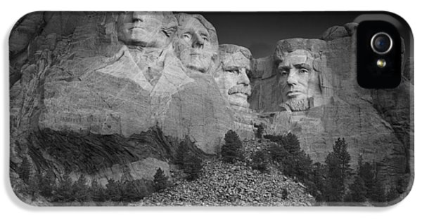 Mount Rushmore South Dakota Dawn  B W IPhone 5 / 5s Case by Steve Gadomski