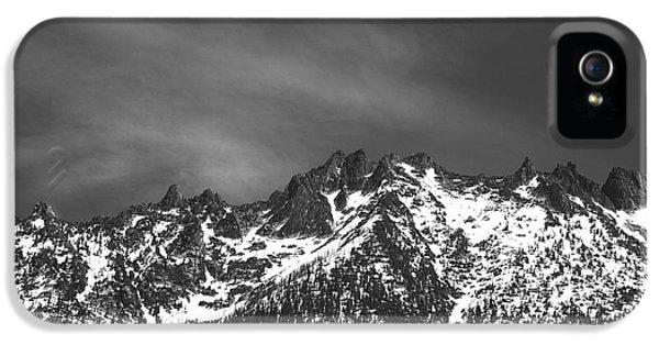 North Cascade Mountain Range IPhone 5 Case by Yulia Kazansky