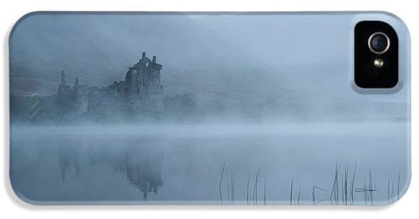 Castle iPhone 5 Case - Mysterious by Susanne Landolt