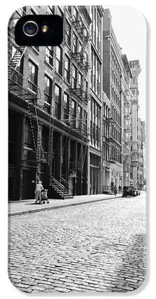 New York City Afternoon - Cobblestones In The Sunlight IPhone 5 Case by Vivienne Gucwa