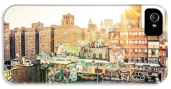 New York City - Graffiti Rooftops Of Chinatown At Sunset IPhone 5 Case by Vivienne Gucwa