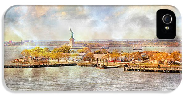 New York Portrait  IPhone 5 Case by Betsy Knapp