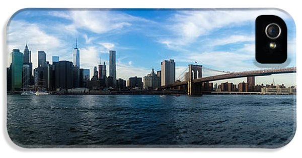 New York Skyline - Color IPhone 5 Case by Nicklas Gustafsson
