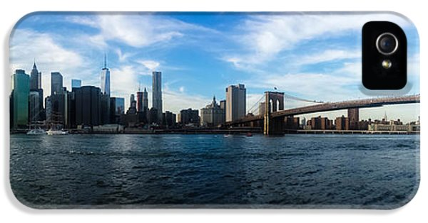 Empire State Building iPhone 5 Case - New York Skyline - Color by Nicklas Gustafsson