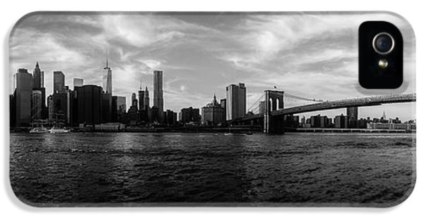 New York Skyline IPhone 5 Case by Nicklas Gustafsson
