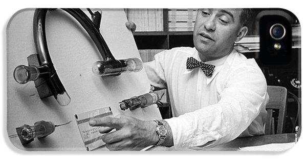Nier And Uranium Separation, 1950s IPhone 5 / 5s Case by Emilio Segre Visual Archives/american Institute Of Physics