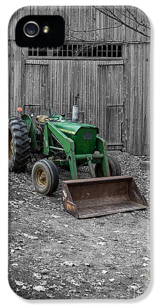 Etna iPhone 5 Case - Old Tractor By The Barn Etna New Hampshire by Edward Fielding
