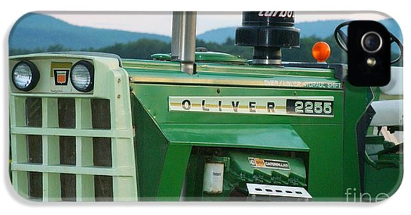 Oliver Tractor iPhone 5 Case - Oliver 2255 Tractor by Rob Luzier