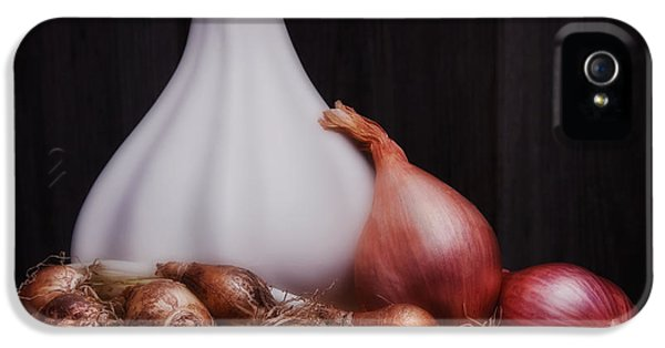 Onions IPhone 5 / 5s Case by Tom Mc Nemar