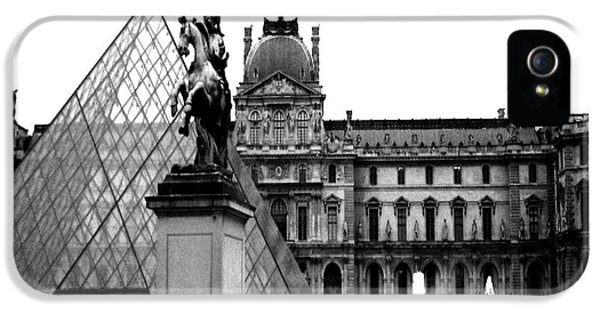 Louvre iPhone 5 Case - Paris Black And White Photography - Louvre Museum Pyramid Black White Architecture Landmark by Kathy Fornal