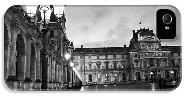 Louvre iPhone 5 Case - Paris Louvre Museum Lanterns Lamps - Paris Black And White Louvre Museum Architecture by Kathy Fornal