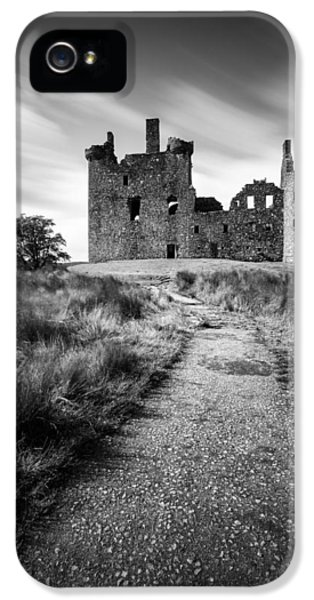 Castle iPhone 5 Case - Path To Kilchurn Castle by Dave Bowman