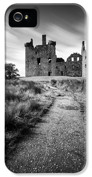 Castle iPhone 5 Case - Path To Kilchurn Castle by Dave Bowman