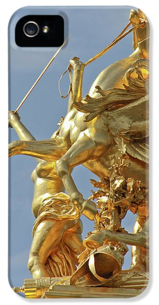 Pegasus Statue At The Pont Alexander IPhone 5 / 5s Case by William Sutton