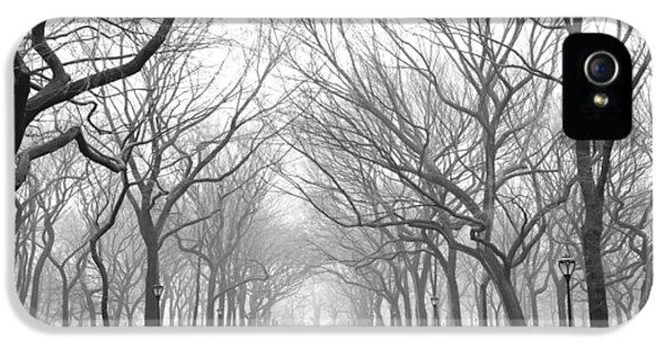 New York City - Poets Walk Central Park IPhone 5 Case