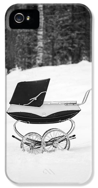 Etna iPhone 5 Case - Pram In The Snow by Edward Fielding