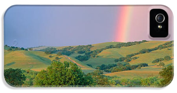 Rainbow And Rolling Hills In Central IPhone 5 Case by Panoramic Images