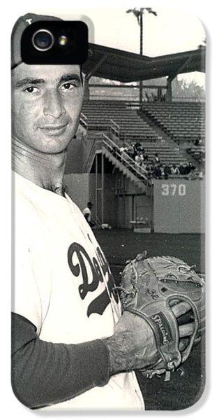 Los Angeles Dodgers iPhone 5 Case - Sandy Koufax Photo Portrait by Gianfranco Weiss