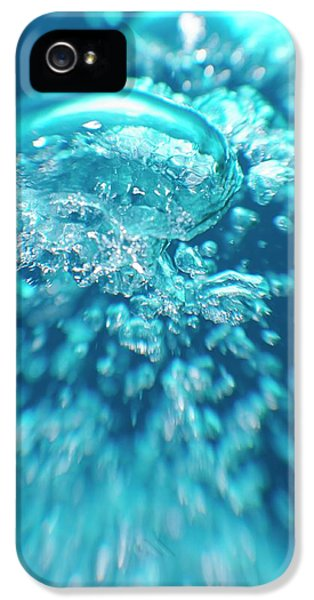 Breathe iPhone 5 Case - Scuba Diver Bubbles by Scubazoo/science Photo Library
