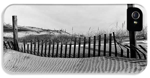 Seaside Park Dune Mono IPhone 5 Case by John Rizzuto