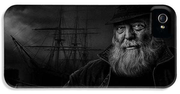 Sitting At The Dock Of The Bay IPhone 5 Case