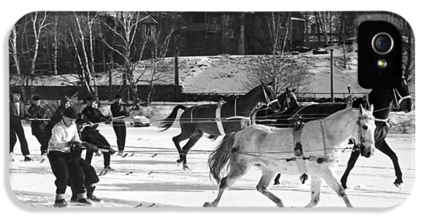 Skijoring At Lake Placid IPhone 5 Case by Underwood Archives