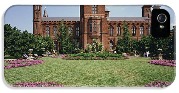 Smithsonian Institution Building IPhone 5 Case by Rafael Macia