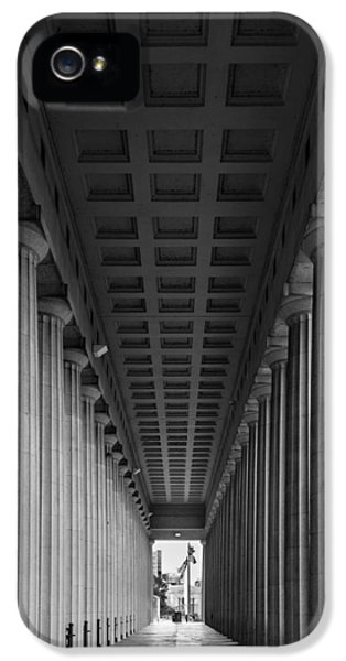 Soldier Field Colonnade Chicago B W B W IPhone 5 Case by Steve Gadomski
