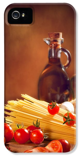 Spaghetti Pasta With Tomatoes And Garlic IPhone 5 Case by Amanda Elwell
