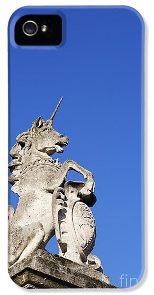 Statue Of A Unicorn On The Walls Of Buckingham Palace In London England IPhone 5 / 5s Case by Robert Preston