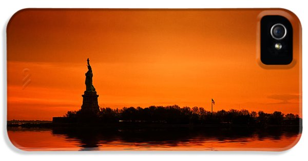 Breathe iPhone 5 Case - Statue Of Liberty At Sunset by John Farnan
